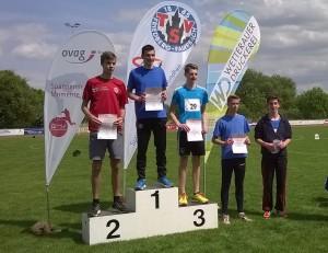 Marvin Uhlig, Justin Schnarr und Felix Kahl bei der Siegerehrung