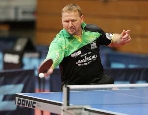 Im Duell der Unbesiegten in der Oberliga-Hessen gewann Hansi Fischer gegen  Quing Yu Meng