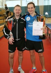 Double Sieger bei den hessischen Einzelmeisterschaften in Seligenstadt. Hansi Fischer (l.) siegte im Herren-A-Einzel. Gregor Surnin (r.) gewann mit dem Ober-Erlenbacher Jens Schabaker die Doppelkonkurrenz.